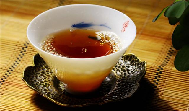 怎样才能挑到一款好的普洱茶呢?