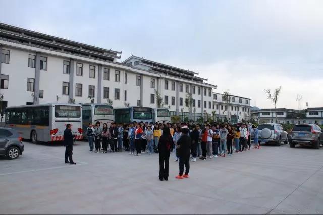 云南农业大学普洱热作学院师生到新华国茶观摩学习图片