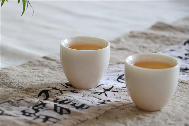 青饼的泡茶步骤