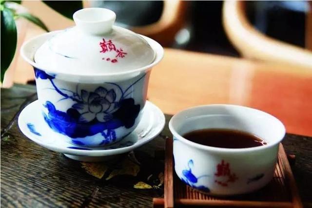 一到过年胖三斤,来杯熟茶压压惊