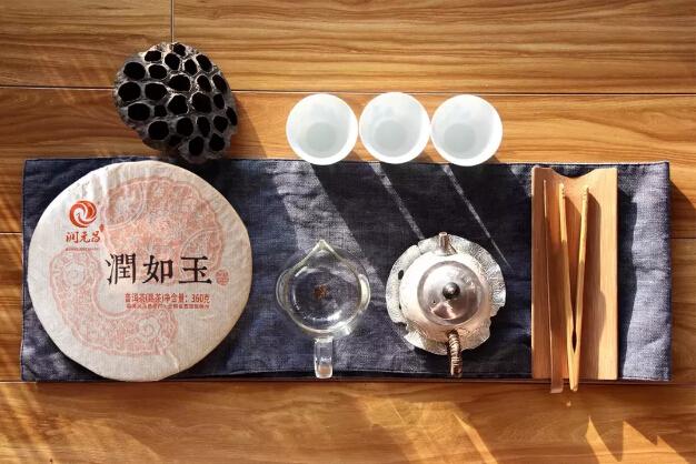 劣质的熟茶千奇百怪,精品熟茶气韵相同