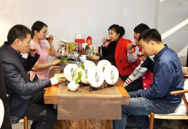 匠心工艺,原汁原味——龙润茶辽阳专卖店大师茶品鉴活动