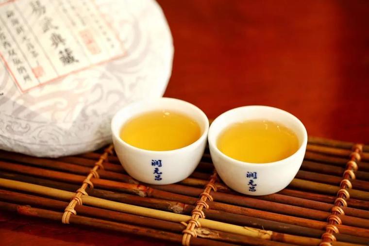 从入门到精通普洱茶究竟要放多久才好喝?