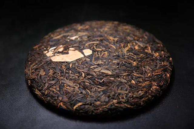 吉家年份茶近日备受茶友们青睐,中秋将至吉祥茶交易活跃