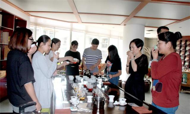口粮茶推荐——六大茶山陆号七子饼