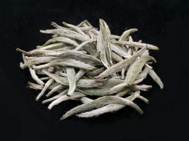 中茶蝴蝶高端白茶银针系列~耀眼上市