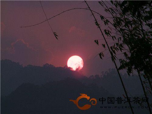 在普洱的边缘行走(31)——从无量山的日落看中华宗教