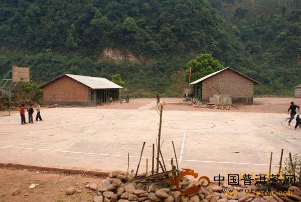 学校的篮球场