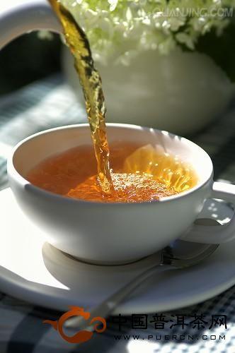 冲泡普洱茶的水温应如何把握
