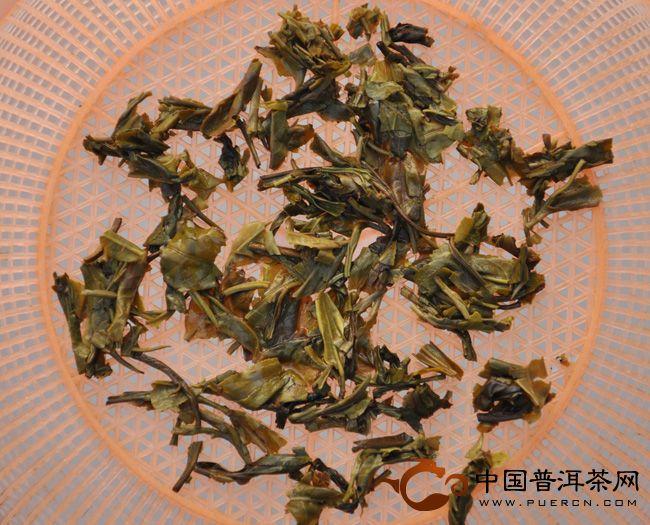2012年下关茶厂茶皇青饼开汤