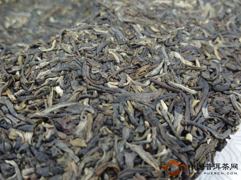 2013年301批大益普洱茶(生茶)纪念茶开汤