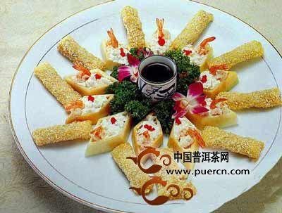 普洱茶香松茸卷 一菜两吃口感丰富