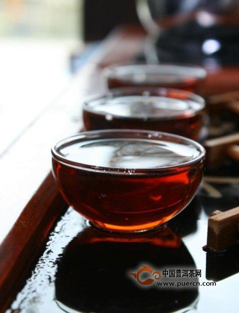 如何辨别陈年普洱茶是否掺了新茶?