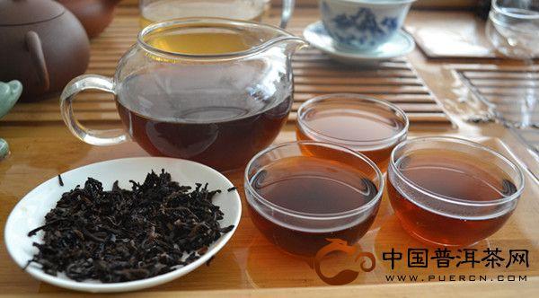 2013年中茶牌圆茶蛇舞神洲(中茶生肖茶蛇饼)熟茶 357克
