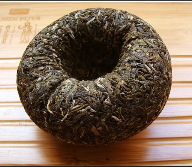 2012年中茶牌普洱茶贡沱生沱昆明茶厂(生茶) 250克