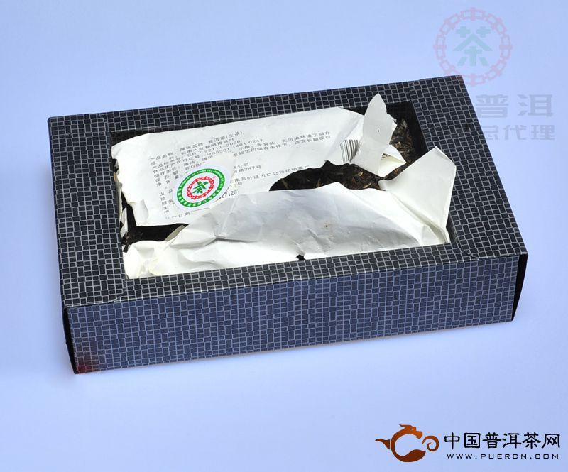 2012年中茶牌普洱茶厚德青砖(生茶) 600克