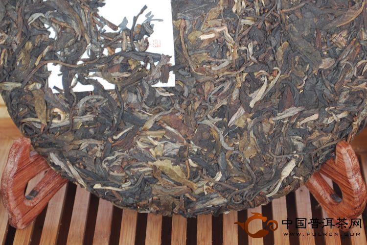 2011年天弘茶业班盆老木香(生茶) 357克
