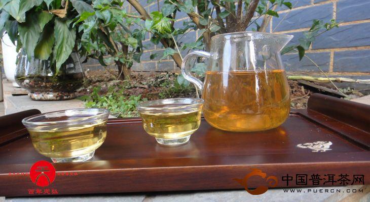 2006年天弘茶业古树青砖(生茶) 400克