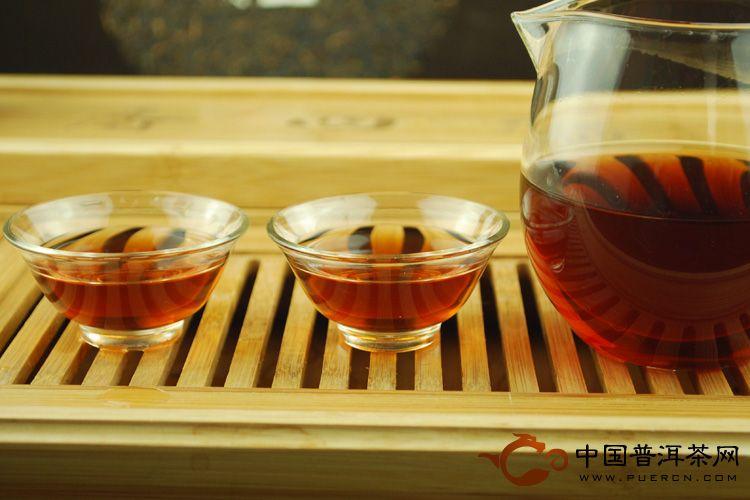 2010年天弘茶业百年老班章(熟茶) 400克