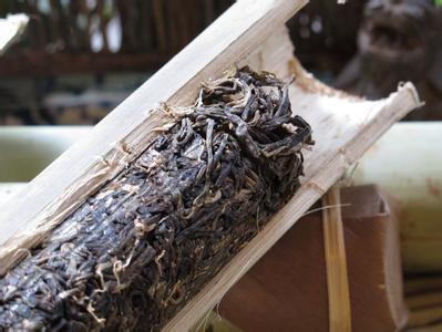 傣族竹筒香茶-嫩甜竹筒即是盛器