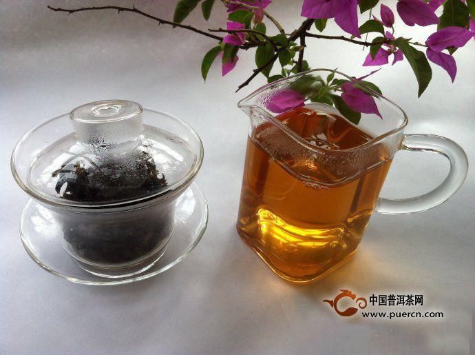 勐海早春乔木圆茶开汤