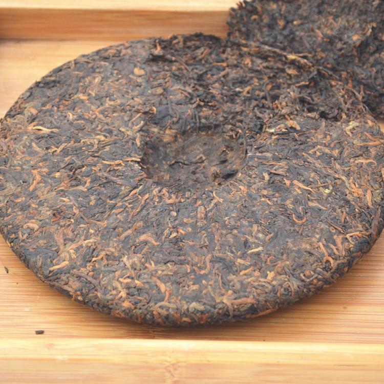 2013年老同志普洱贡饼(熟茶)400克 细节图