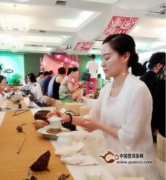 """中茶普洱""""七三青饼""""品鉴会大风雅集,文化之旅举行"""