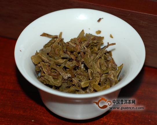 2013年云元谷布朗早春生茶357克