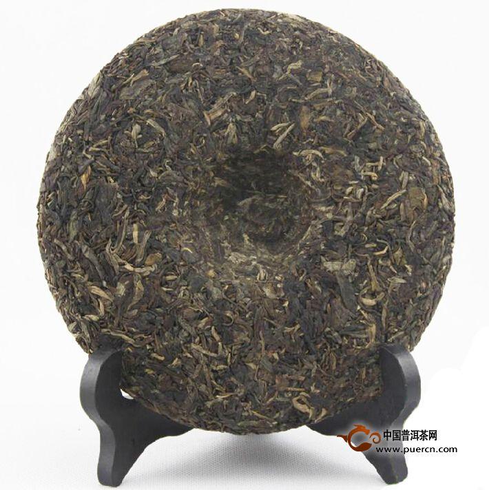 2007年龙润黄金816生茶茶饼背面