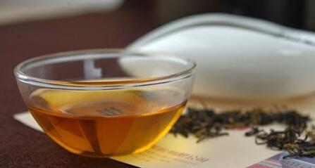 茶叶上的茸毛能喝不?喝了对身体有害吗?