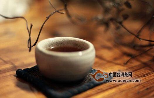 几片茶叶、一壶水,就是你一生