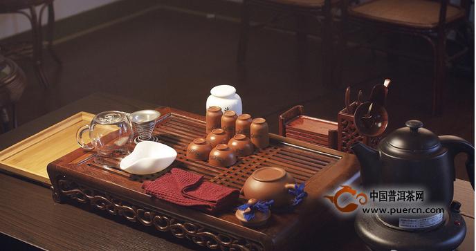 浅谈中国茶文化对陶瓷饮茶器皿演变与发展