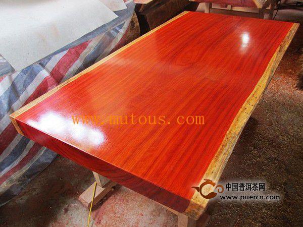 什么是红花梨大板桌