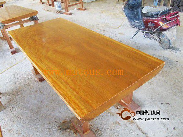 什么是黄花梨大板桌