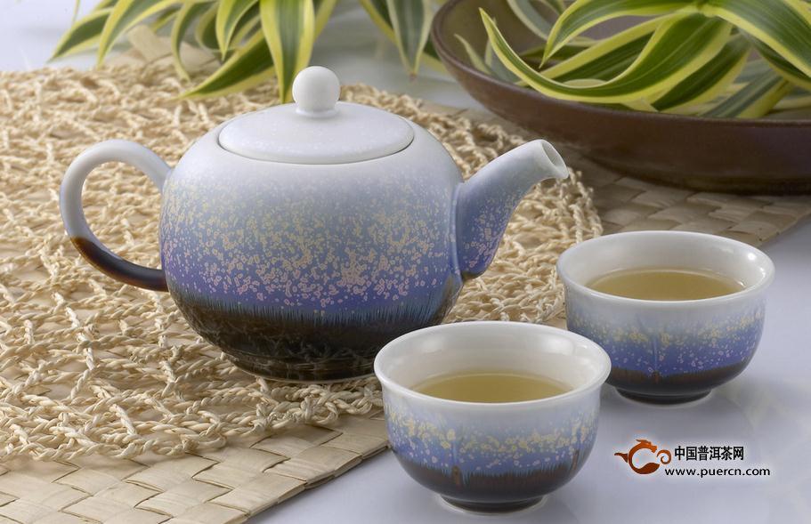 品茶也讲究观、闻、啜、悟之功夫
