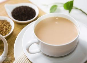 如何调制牛奶红茶