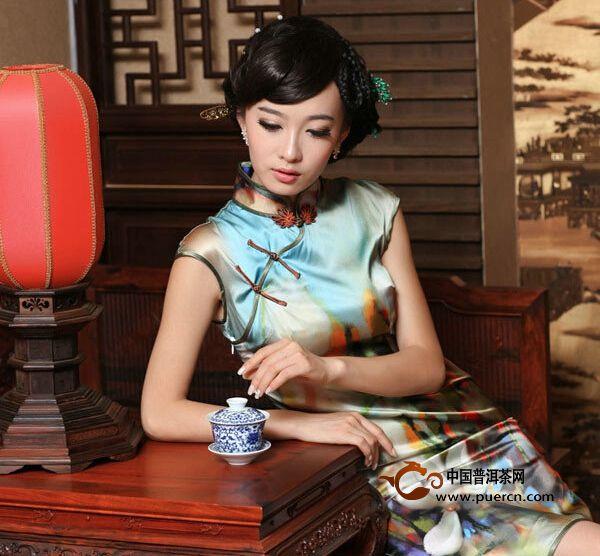 茶与旗袍碰撞出难言的高贵