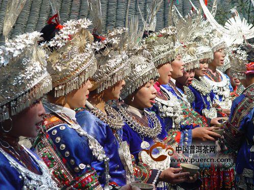 有关中国少数民族的茶与婚俗趣闻