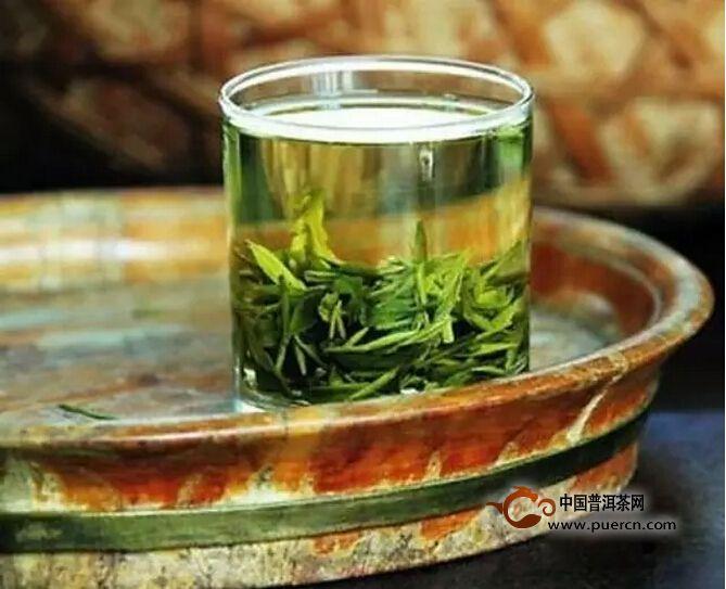 茶讯:今年茶叶比去年更嫩更香——专家验茶