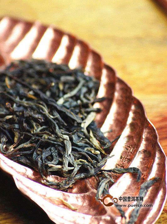 甜润暗香的曼松茶