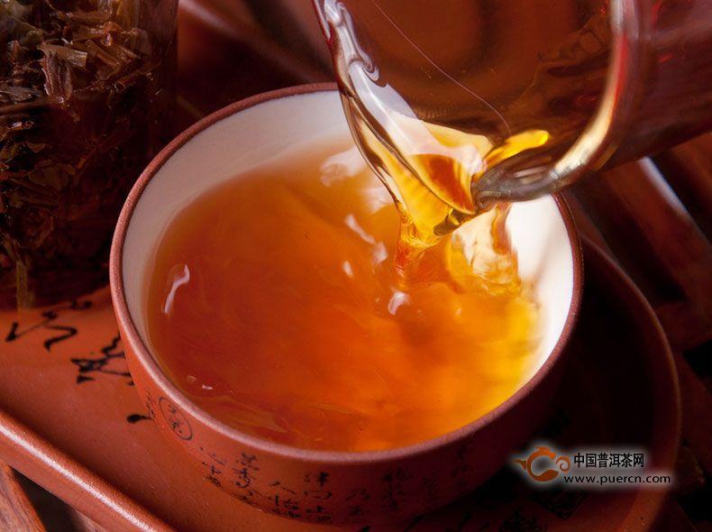 红茶中加点糖可以改善你的不良情绪