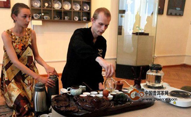 俄罗斯人怎么喝红茶?