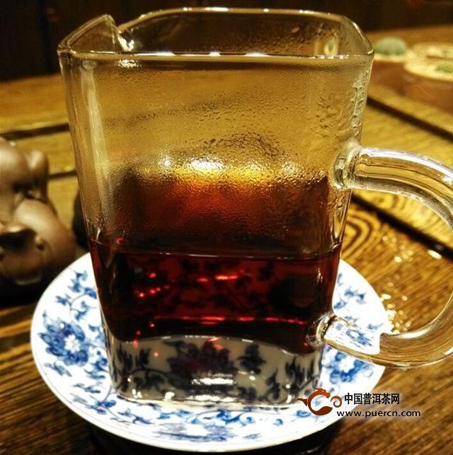2015年普洱市场动态简报第六期:普洱茶——熟茶向,也不热