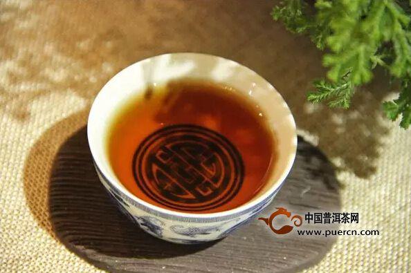 喝普洱生茶好还是熟茶好?