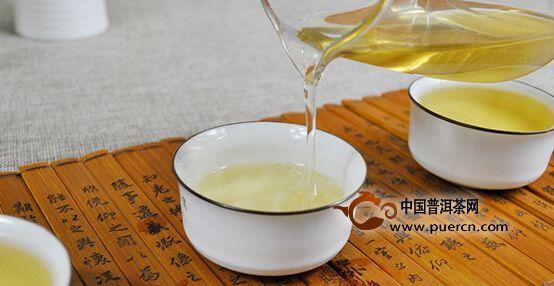 2016年中茶武班章茶汤
