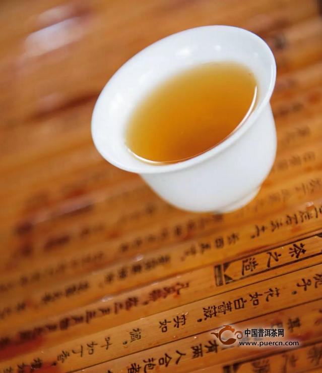 【特别推荐】常见的普洱茶汤色有哪些?(从生茶和熟茶来看)