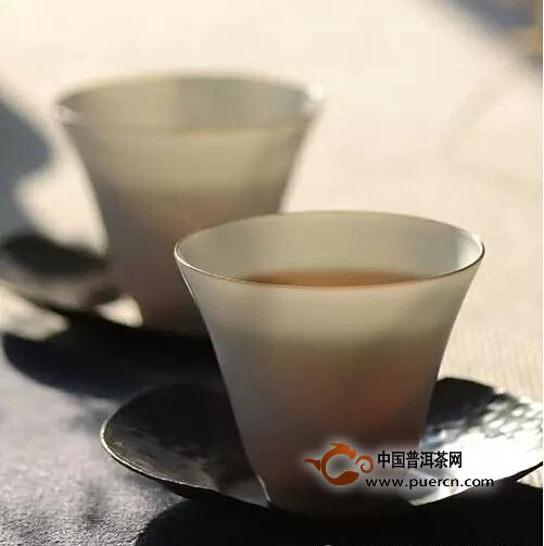 清茶一盏香自远