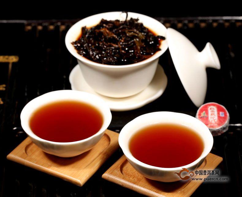 云南普洱茶与碧螺春的区别
