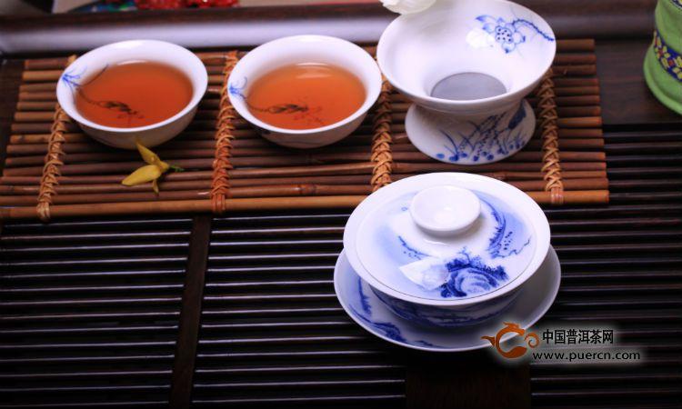 用陶瓷茶具泡茶有什么好处及其特点
