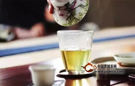 饮茶九大禁忌:切记喝茶不成,反把自己喝伤了!